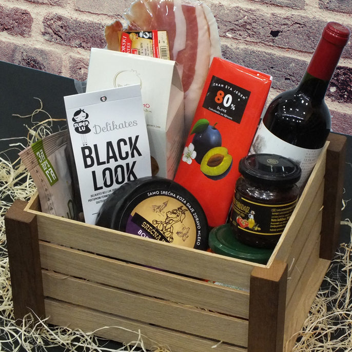 Gourmet-package-Wooden-Gift-Crate